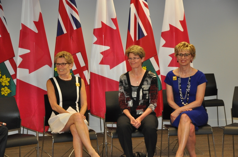 Premier Wynne, Dr. Liana Nolan, and MPP Daiene Vernile all had a chance to welcome and chat with a group of Syrian families.