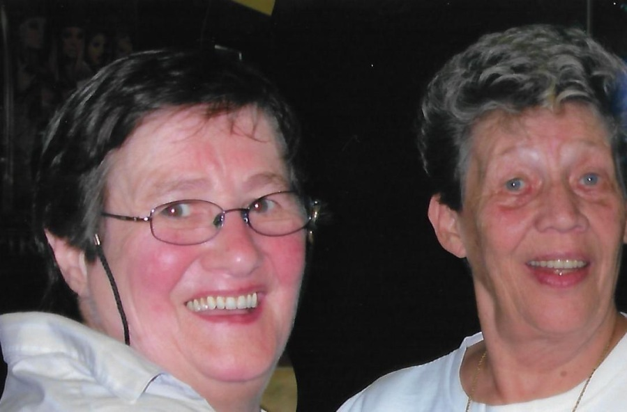 A photo of the owners of The Robin's Nest, Annie and Duffy.